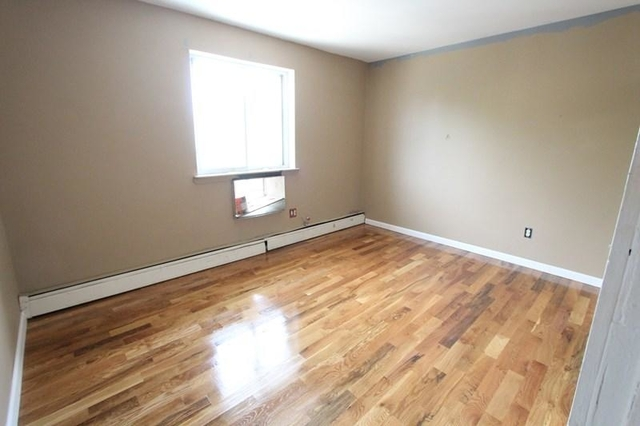 3 Bedrooms, Throgs Neck Rental in NYC for $2,095 - Photo 2