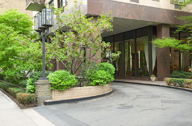 2 Bedrooms, Upper East Side Rental in NYC for $5,395 - Photo 2