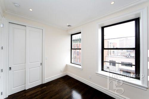 3 Bedrooms, Chelsea Rental in NYC for $6,000 - Photo 2