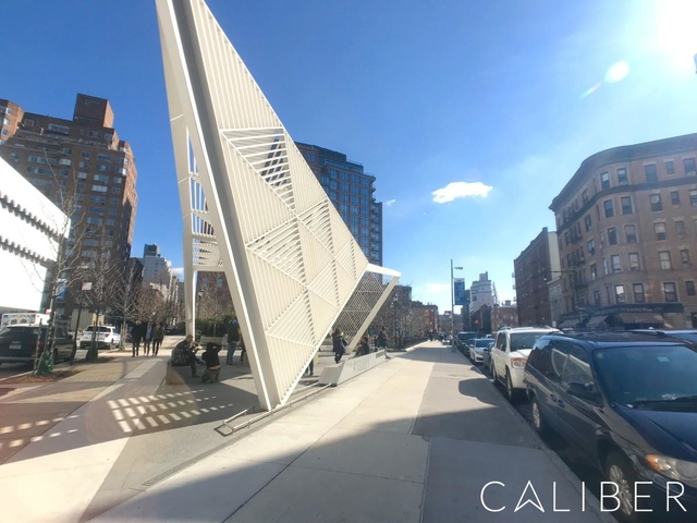 3 Bedrooms, West Village Rental in NYC for $9,200 - Photo 1