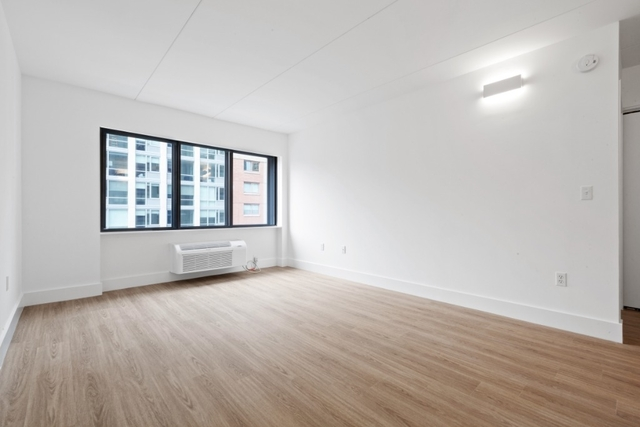 1 Bedroom, Chelsea Rental in NYC for $5,117 - Photo 2