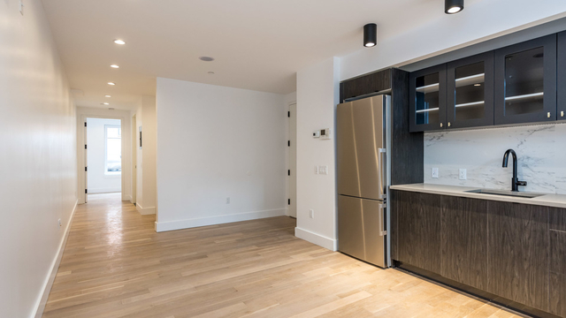 1 Bedroom, Williamsburg Rental in NYC for $3,195 - Photo 2