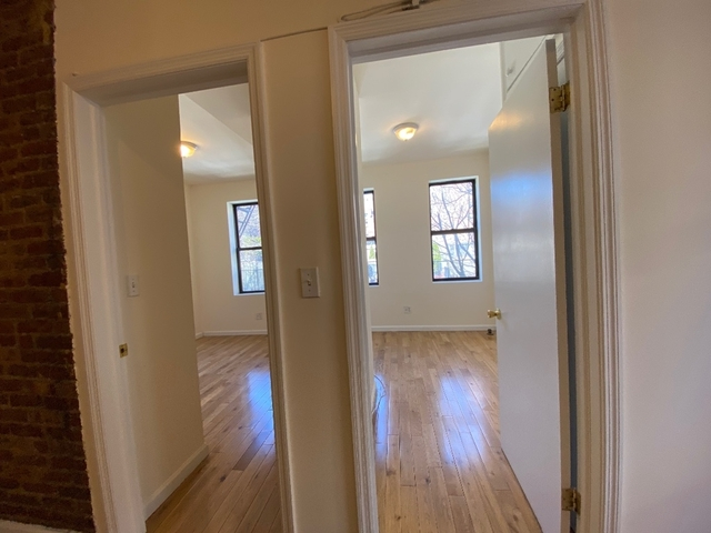 2 Bedrooms, Gramercy Park Rental in NYC for $2,990 - Photo 2