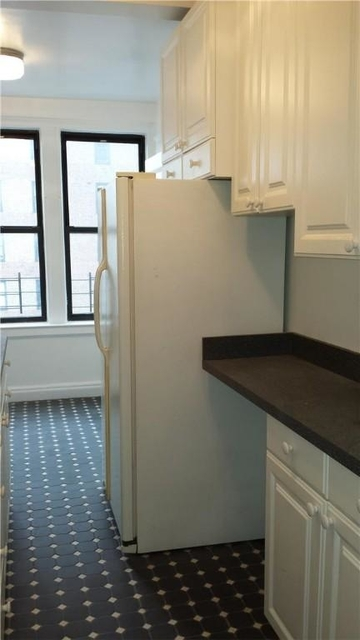 2 Bedrooms, Gramercy Park Rental in NYC for $4,823 - Photo 2