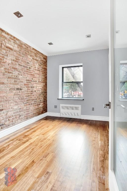 3 Bedrooms, Turtle Bay Rental in NYC for $4,880 - Photo 2