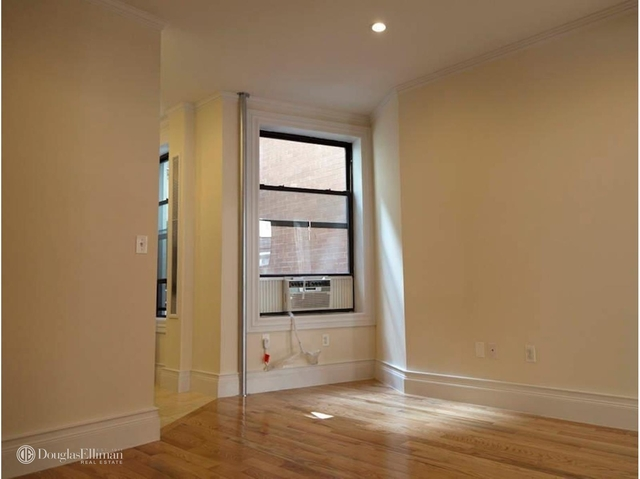 3 Bedrooms, Rose Hill Rental in NYC for $5,737 - Photo 2