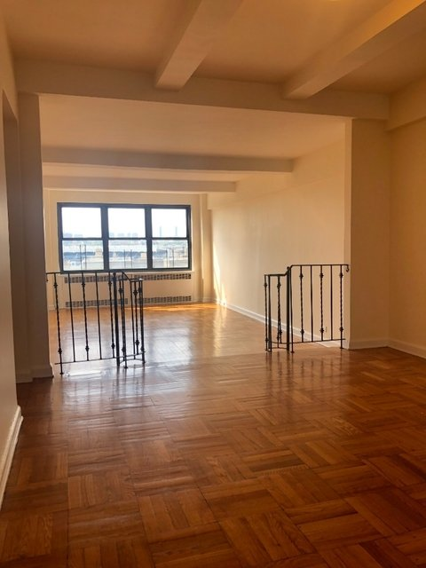 2 Bedrooms, Concourse Village Rental in NYC for $2,650 - Photo 2