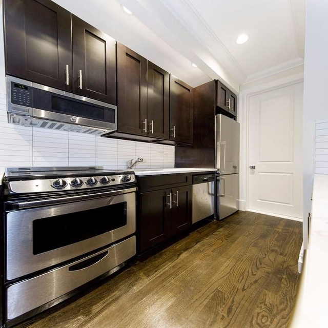 3 Bedrooms, East Village Rental in NYC for $5,225 - Photo 2