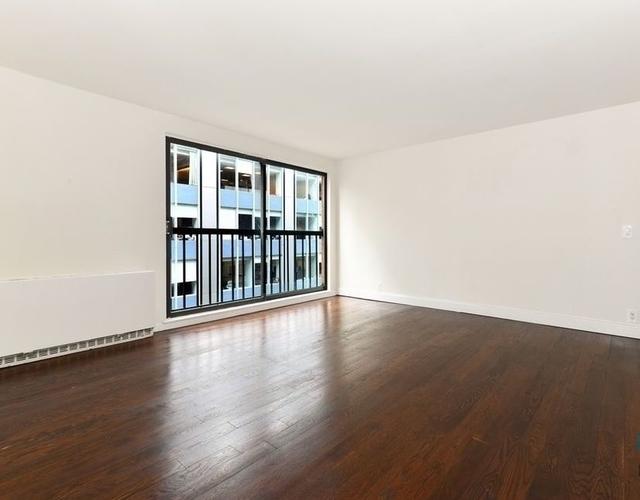 3 Bedrooms, Midtown East Rental in NYC for $4,395 - Photo 1
