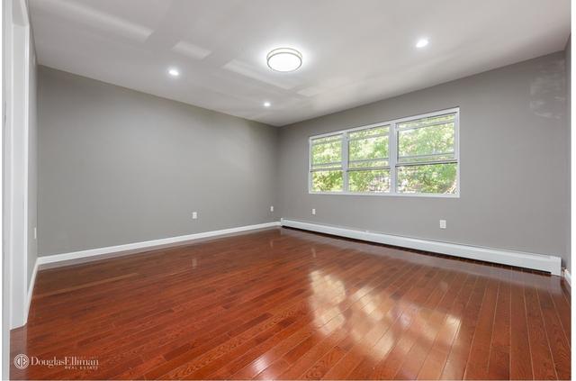 3 Bedrooms, Flatlands Rental in NYC for $2,400 - Photo 2
