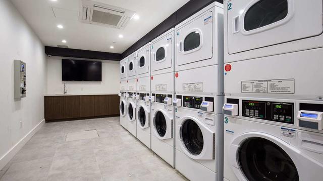 2 Bedrooms, Kensington Rental in NYC for $2,704 - Photo 2