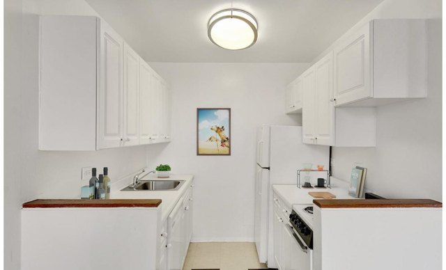 Studio, Chelsea Rental in NYC for $2,649 - Photo 2