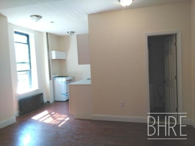 4 Bedrooms, North Slope Rental in NYC for $3,850 - Photo 2