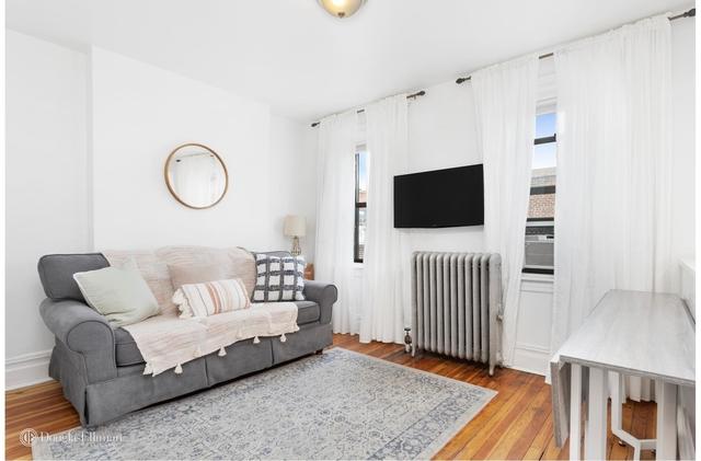 4 Bedrooms, Astoria Rental in NYC for $4,200 - Photo 2