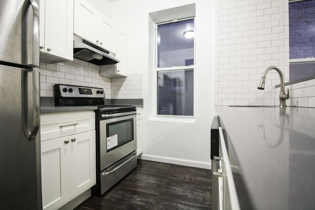 3 Bedrooms, Long Island City Rental in NYC for $3,175 - Photo 1
