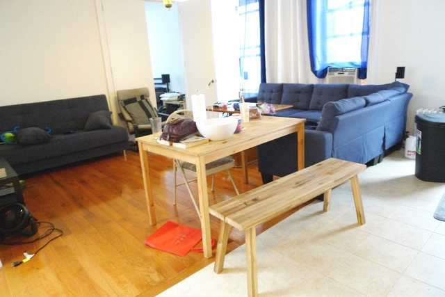 3 Bedrooms, Ditmars Rental in NYC for $2,998 - Photo 2