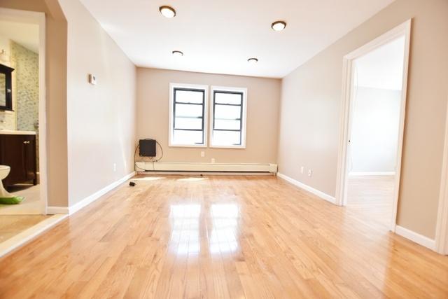 3 Bedrooms, Astoria Rental in NYC for $2,800 - Photo 2