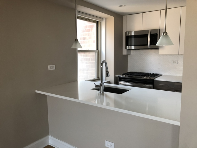 2 Bedrooms, Tribeca Rental in NYC for $5,756 - Photo 2