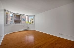 2 Bedrooms, Roosevelt Island Rental in NYC for $3,695 - Photo 1