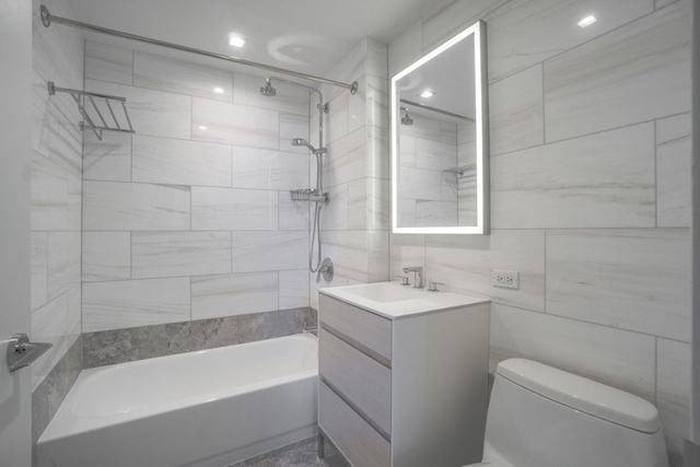 1 Bedroom, Hell's Kitchen Rental in NYC for $5,325 - Photo 2