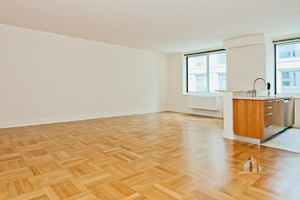 3 Bedrooms, Lincoln Square Rental in NYC for $12,000 - Photo 2