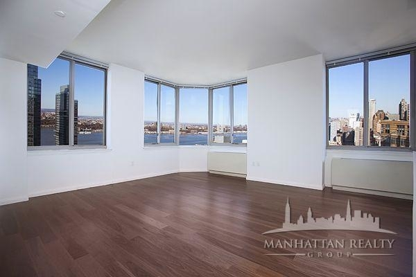 1 Bedroom, Hell's Kitchen Rental in NYC for $3,658 - Photo 2
