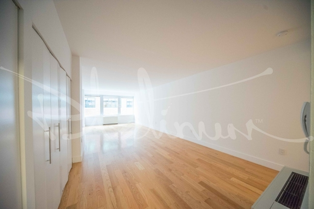 Studio, Financial District Rental in NYC for $2,417 - Photo 2