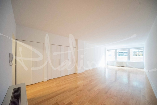 Studio, Financial District Rental in NYC for $2,417 - Photo 1