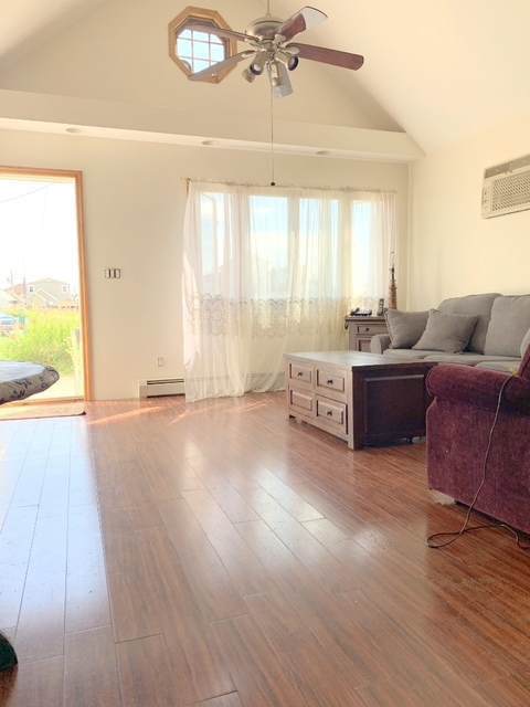 2 Bedrooms, Hamilton Beach Rental in NYC for $2,000 - Photo 2