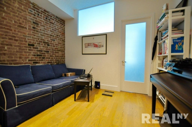 2 Bedrooms, Bowery Rental in NYC for $3,000 - Photo 1
