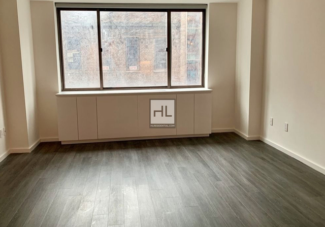 2 Bedrooms, Hell's Kitchen Rental in NYC for $4,550 - Photo 2