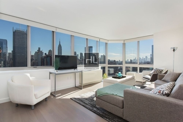 4 Bedrooms, Hell's Kitchen Rental in NYC for $5,729 - Photo 1