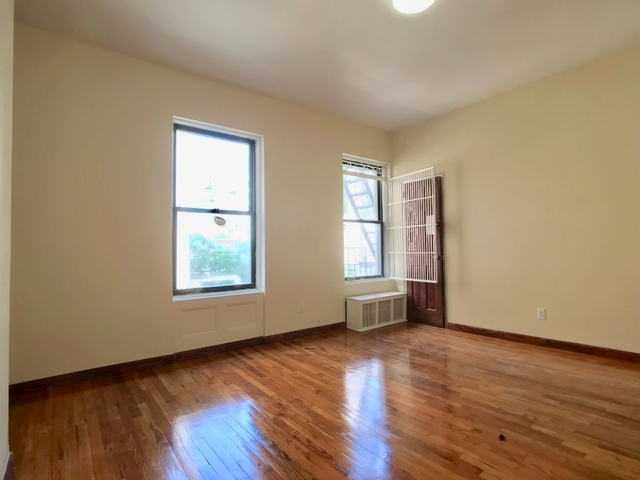 2 Bedrooms, Upper West Side Rental in NYC for $2,995 - Photo 2