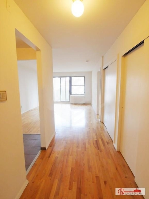 1 Bedroom, Yorkville Rental in NYC for $2,980 - Photo 2
