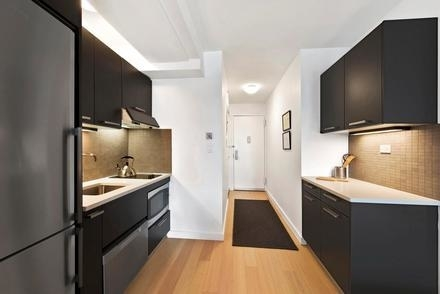 3 Bedrooms, Murray Hill Rental in NYC for $6,738 - Photo 1