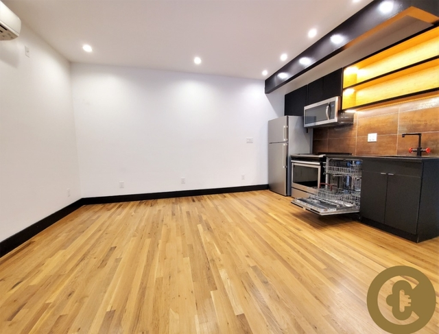 3 Bedrooms, Bedford-Stuyvesant Rental in NYC for $3,750 - Photo 2