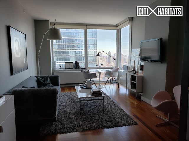 Studio, Hell's Kitchen Rental in NYC for $4,690 - Photo 1