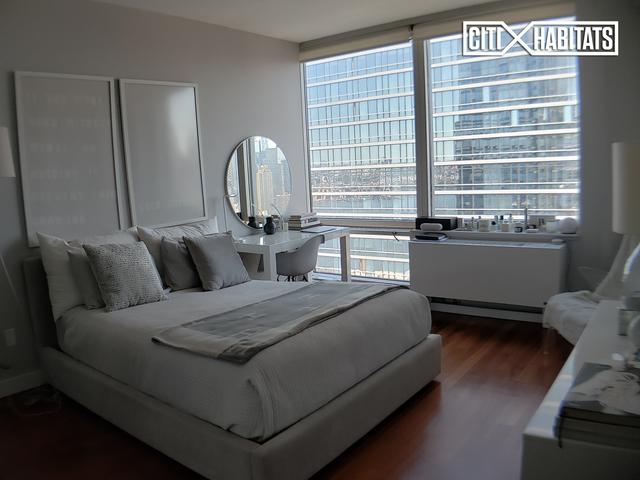 Studio, Hell's Kitchen Rental in NYC for $4,690 - Photo 2