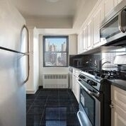 3 Bedrooms, Yorkville Rental in NYC for $6,412 - Photo 2