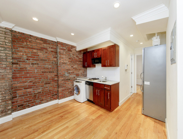 2 Bedrooms, Alphabet City Rental in NYC for $3,346 - Photo 1