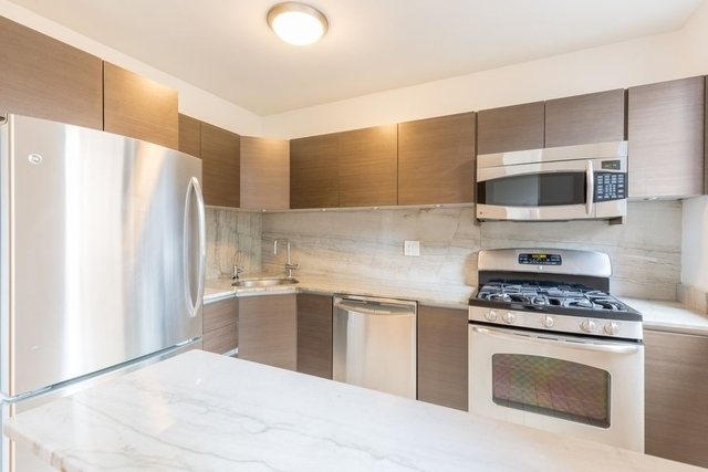 Studio, Theater District Rental in NYC for $2,979 - Photo 2