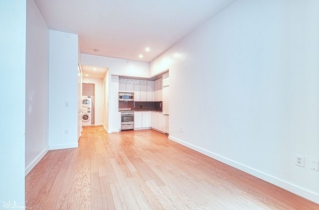 Studio, Financial District Rental in NYC for $2,980 - Photo 2