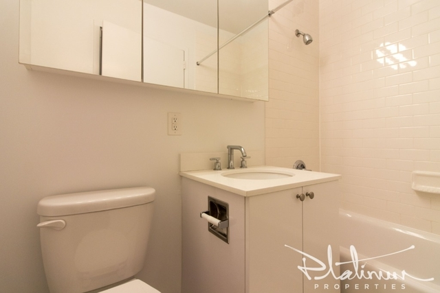 Studio, Financial District Rental in NYC for $4,336 - Photo 2