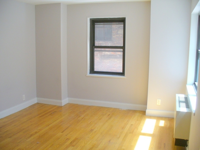 2 Bedrooms, Turtle Bay Rental in NYC for $5,850 - Photo 2