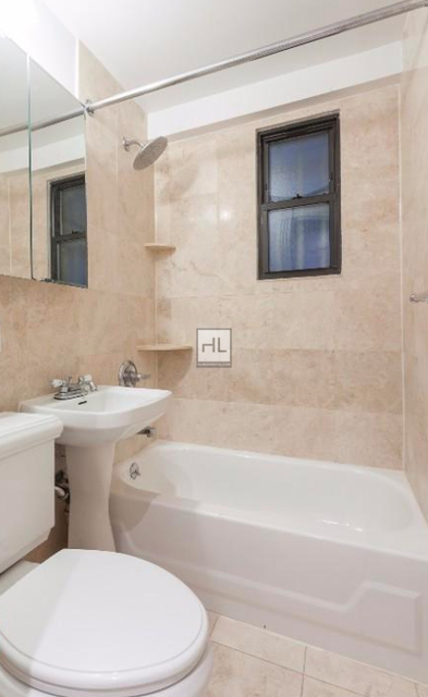 3 Bedrooms, Turtle Bay Rental in NYC for $5,295 - Photo 2