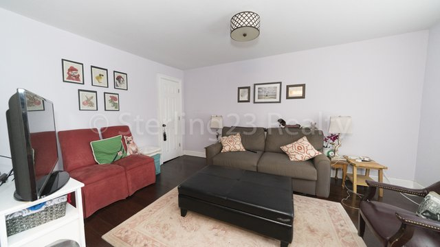 2 Bedrooms, Ditmars Rental in NYC for $2,700 - Photo 1