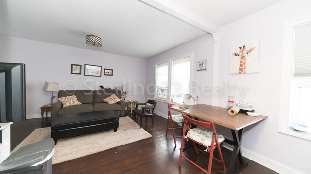 2 Bedrooms, Ditmars Rental in NYC for $2,700 - Photo 2