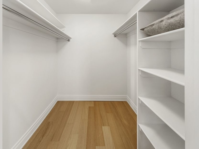 2 Bedrooms, Financial District Rental in NYC for $6,320 - Photo 2