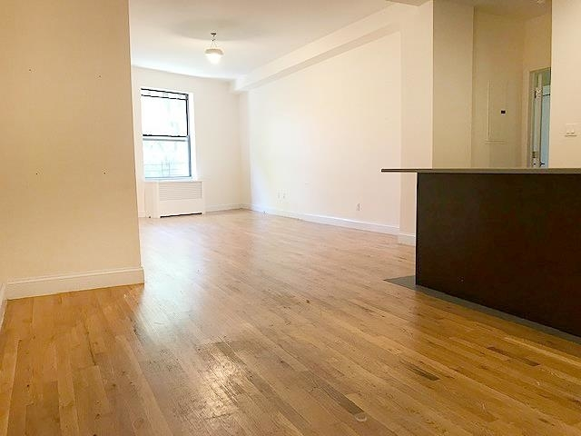 3 Bedrooms, Upper West Side Rental in NYC for $6,050 - Photo 1
