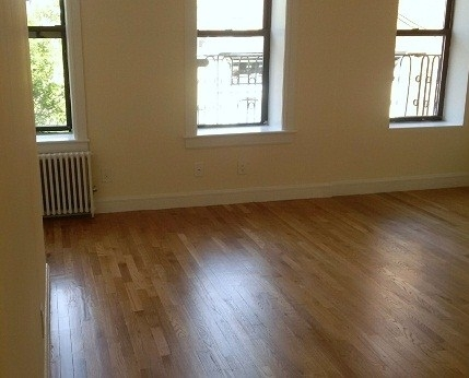3 Bedrooms, Yorkville Rental in NYC for $3,189 - Photo 2